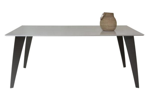 mesa-comedor-pata-triangular